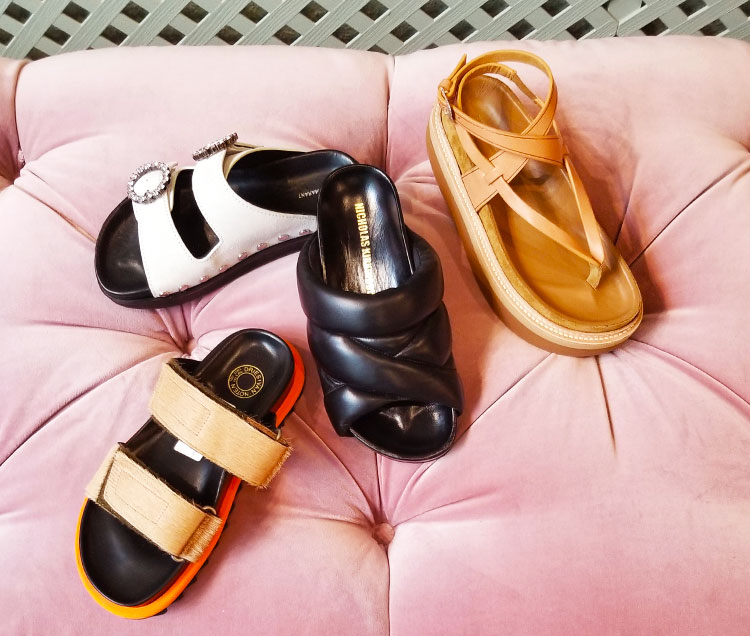Summer sandals at Edon Manor store