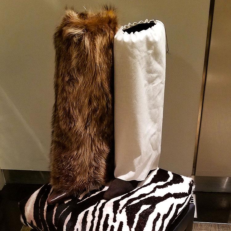 Vanessa Nole fur boot