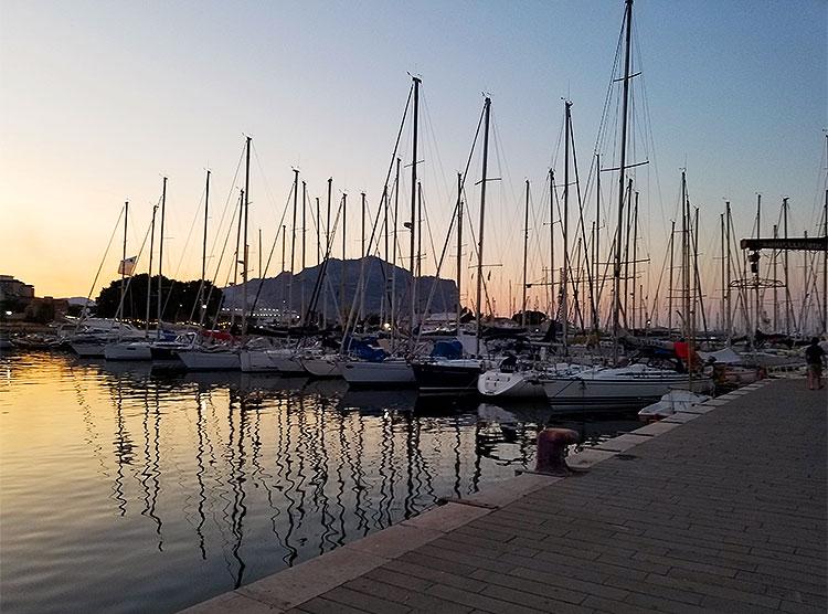 La Cala harbour in Palermo