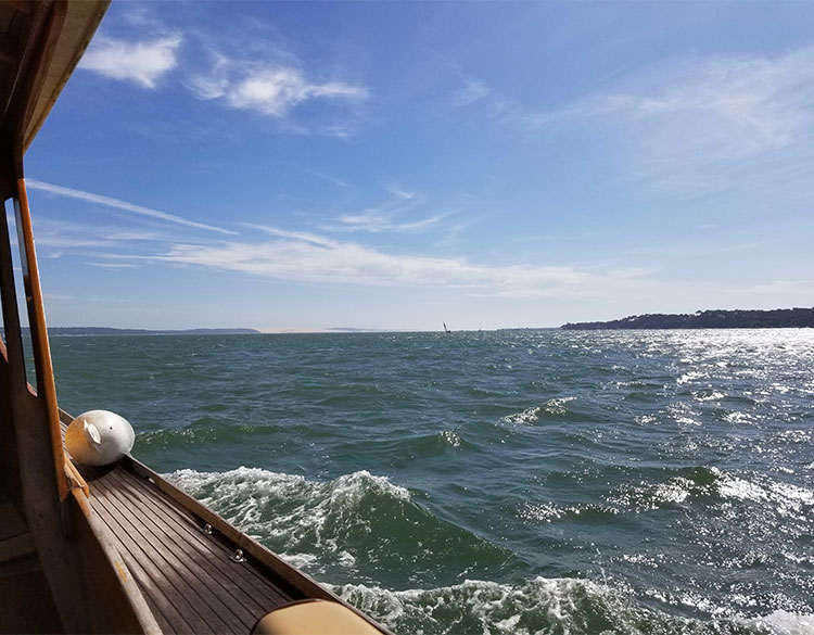 In a boat on the Bassin of Arcachon