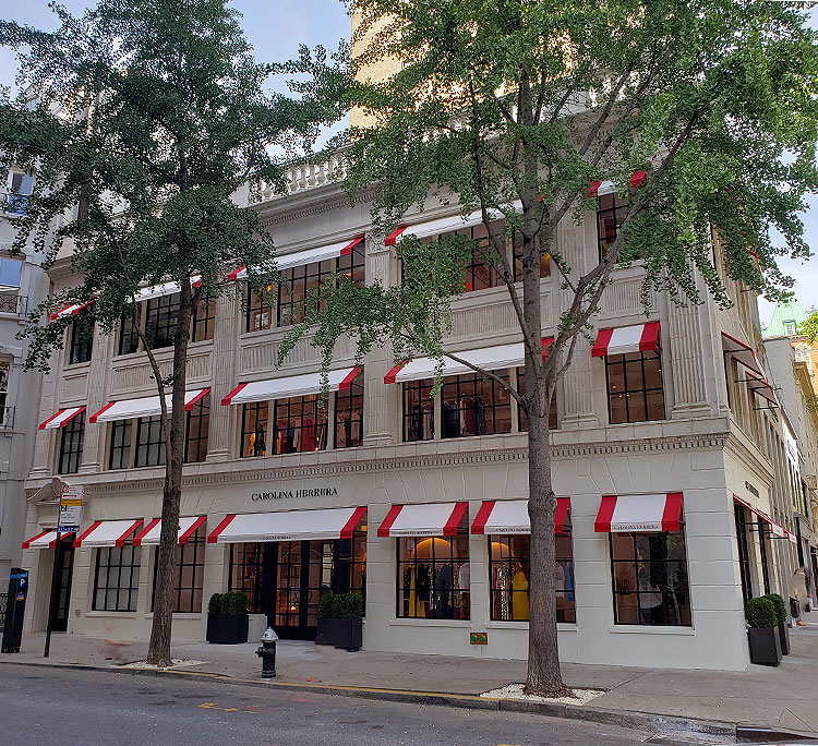 The Carolina Herrera 75th St entrance