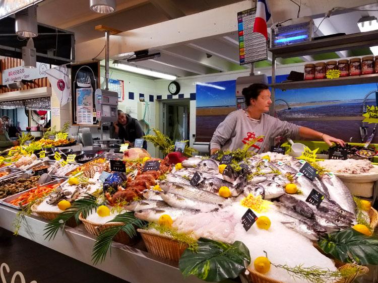 Fish in the Cap Ferret market in France