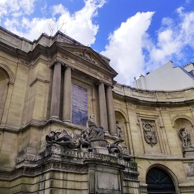 Fontaine des Quarte Saisons in Paris