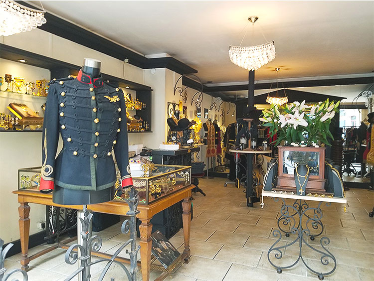 An eclectic jewelry shop in the Marais in Paris
