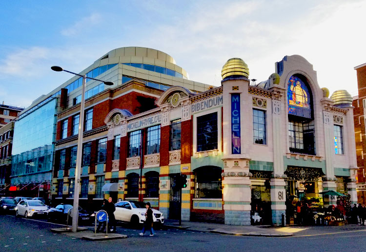 Michelin House, Housing Bibendum, on Fulham Road in London