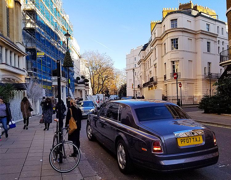 West Halkin St in London