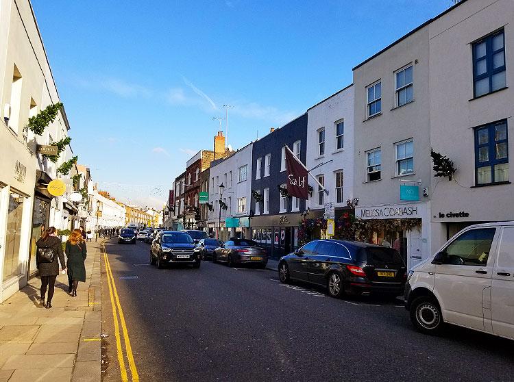 Walking Walton Street Street in London