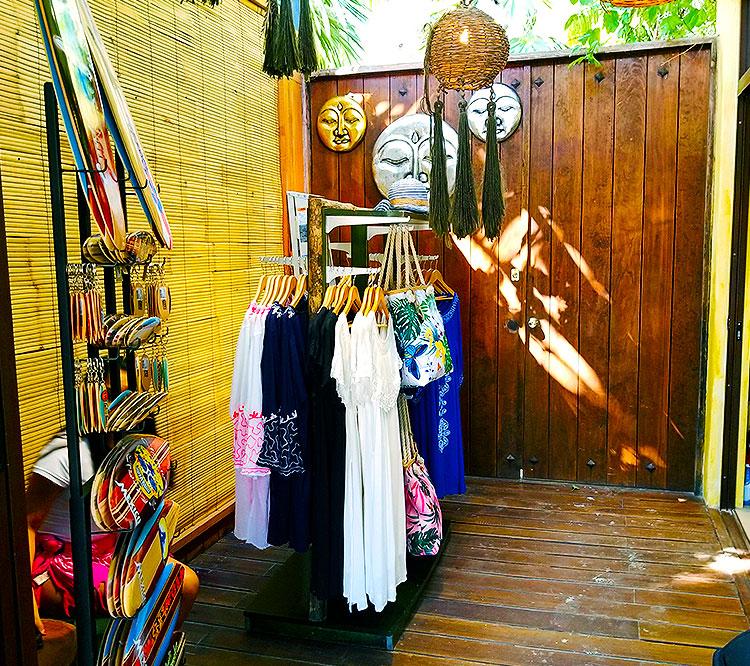 Shopping in Tulum