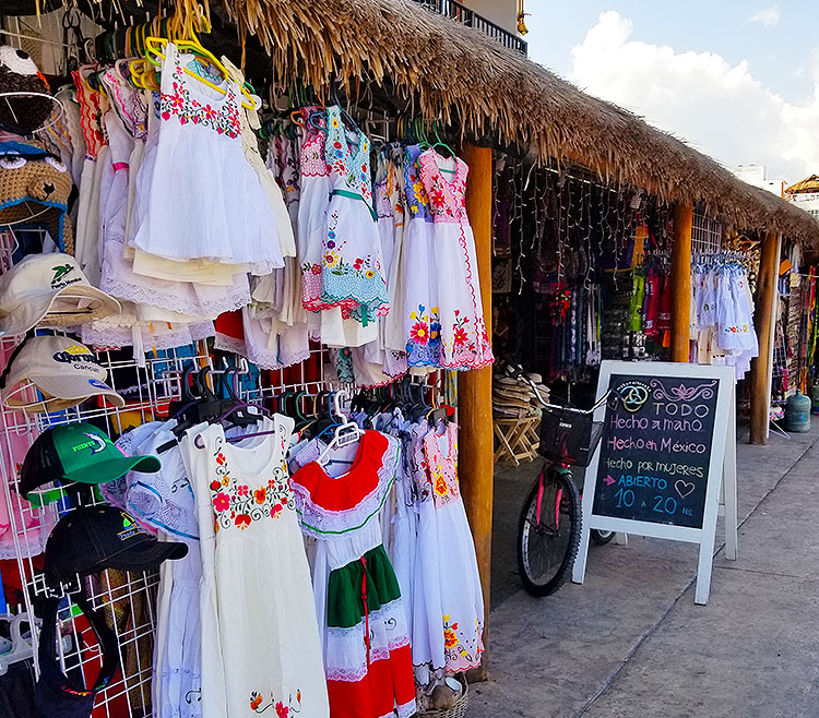 Hand Made Clothing in Porto Morales