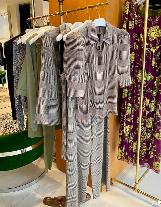 Karen Klopp, Hilary Dick, New York Social Diary shop Madison Avenue, New York,