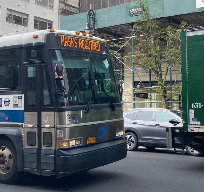 Karen Klopp, Hilary Dick, New York Social Diary shop Madison Avenue, New York, Madison Avenue Bus.