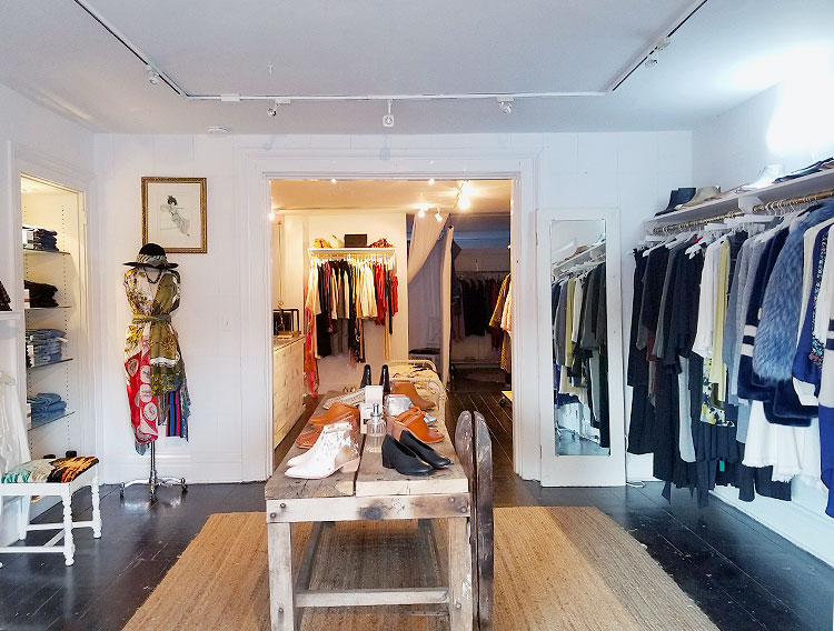 Unracked Offers Modern Clothing