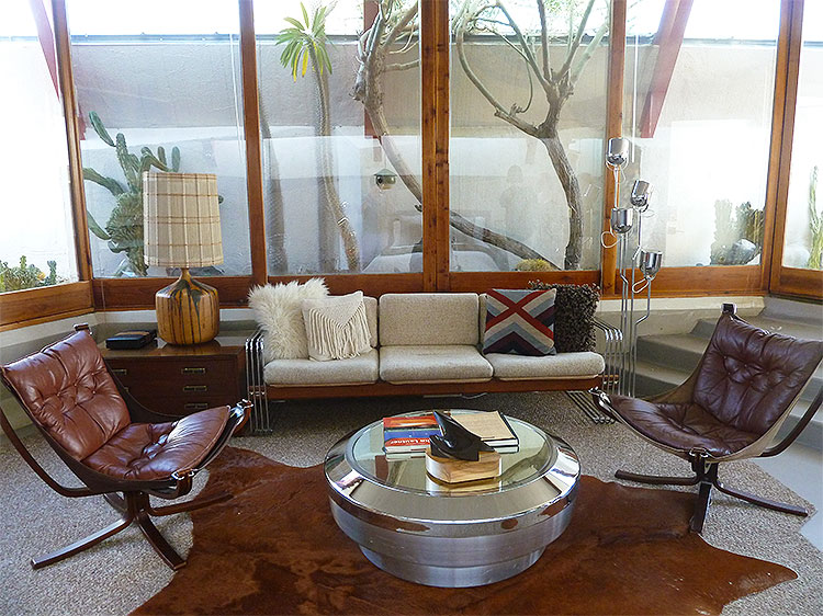 Mid-Centry Modern Lautner House