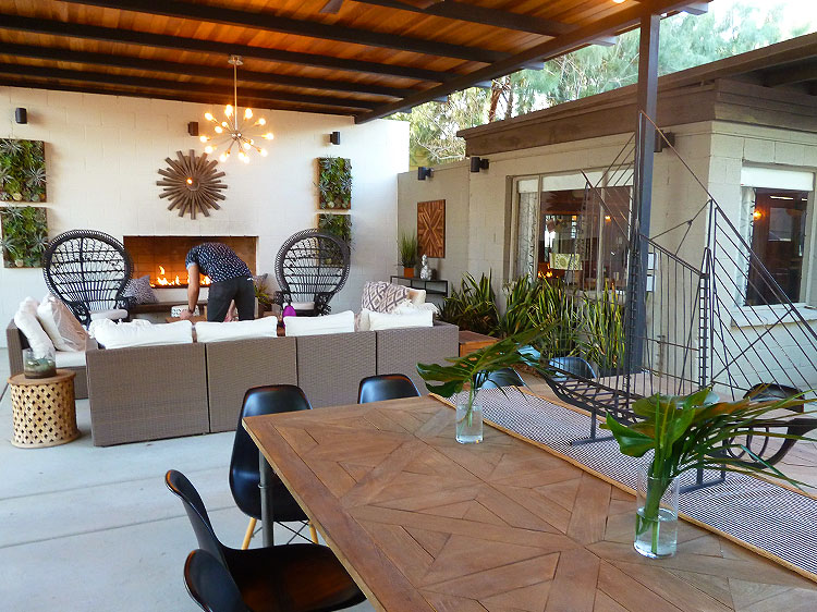An Outside Living and Dining Room at The Lautner.