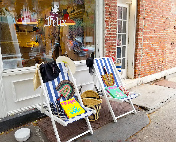 Enticing Deck Chairs