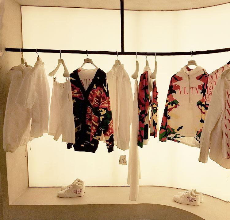 Valentino Sreetwear