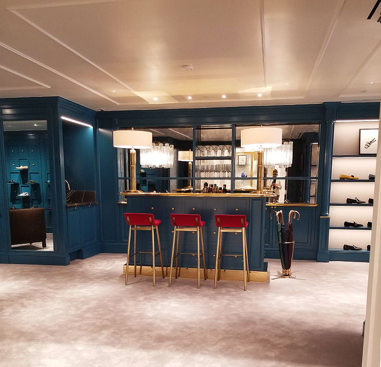 Another Chic Bar at Manolo Blahnik