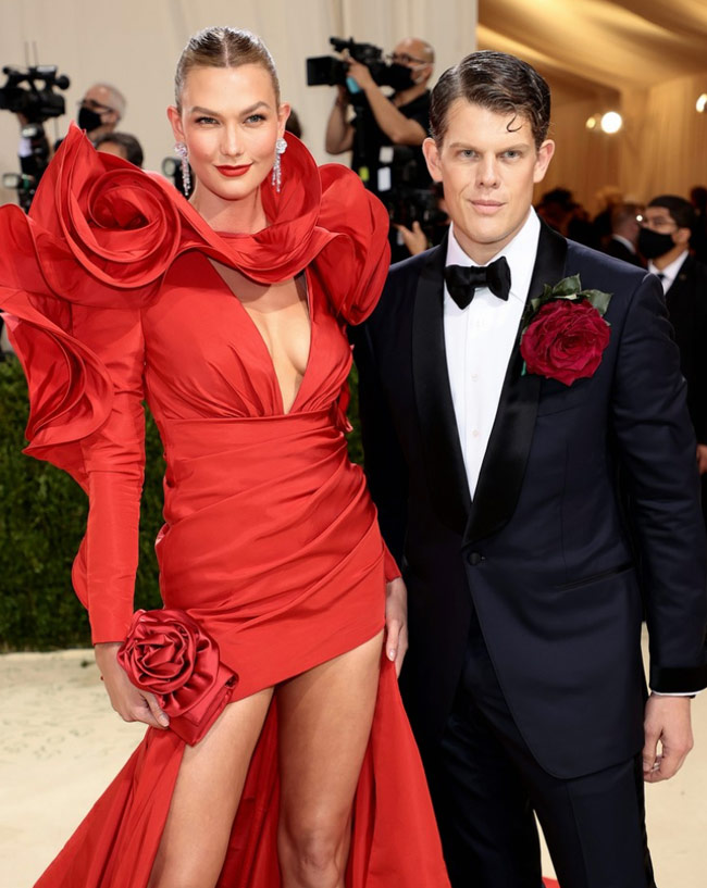 Karen Klopp and Hilary Dick article for New York Social Diary, What to Wear to the Couture Council Of FIT Artistry Of Fashion Awards. Karlie KLoss and Wes Gordon.