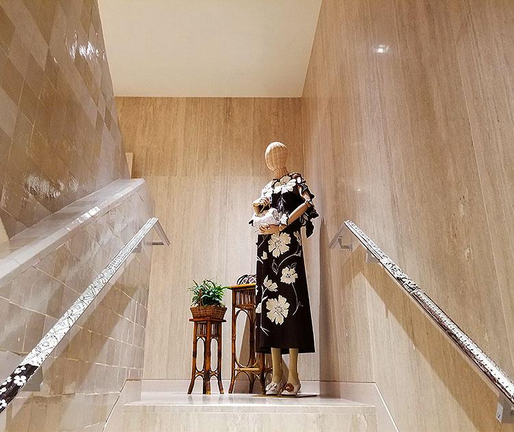 Manneqins Fill the Stairwells